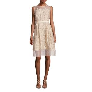 NWT Carmen Marc Valvo lace appliqué cocktail dress